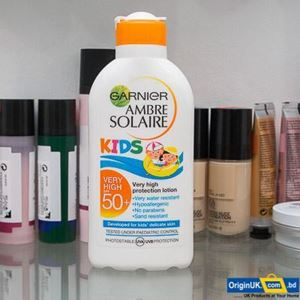 Picture of Garnier Ambre Solaire Resisto Kids Very High Protection Moisturising Lotion SPF 50+ 200ml